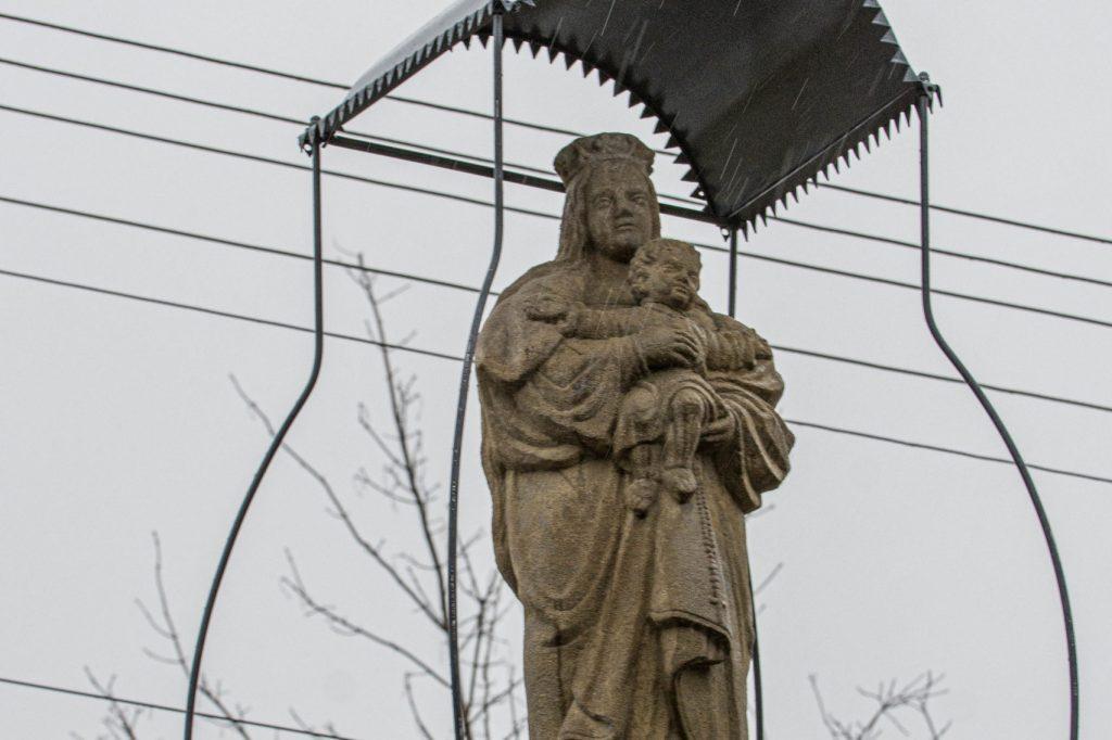 Kapliczka w Grabnie po renowacji