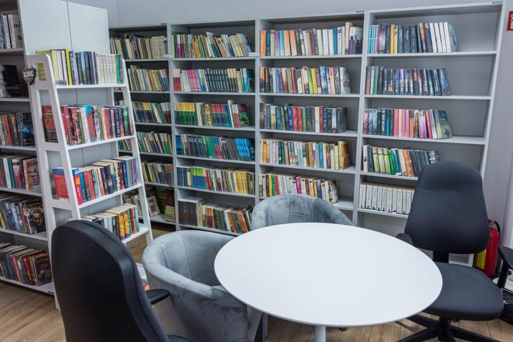 Zdjęcie odnowionej Gminnej Biblioteki Publicznej w Wojnczu