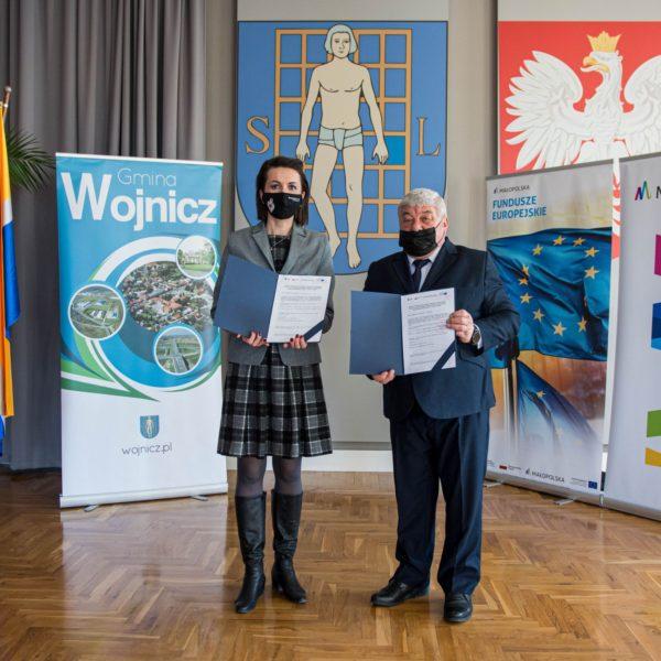 Podpisanie umowy na budowę PSZOK w Wojniczu.