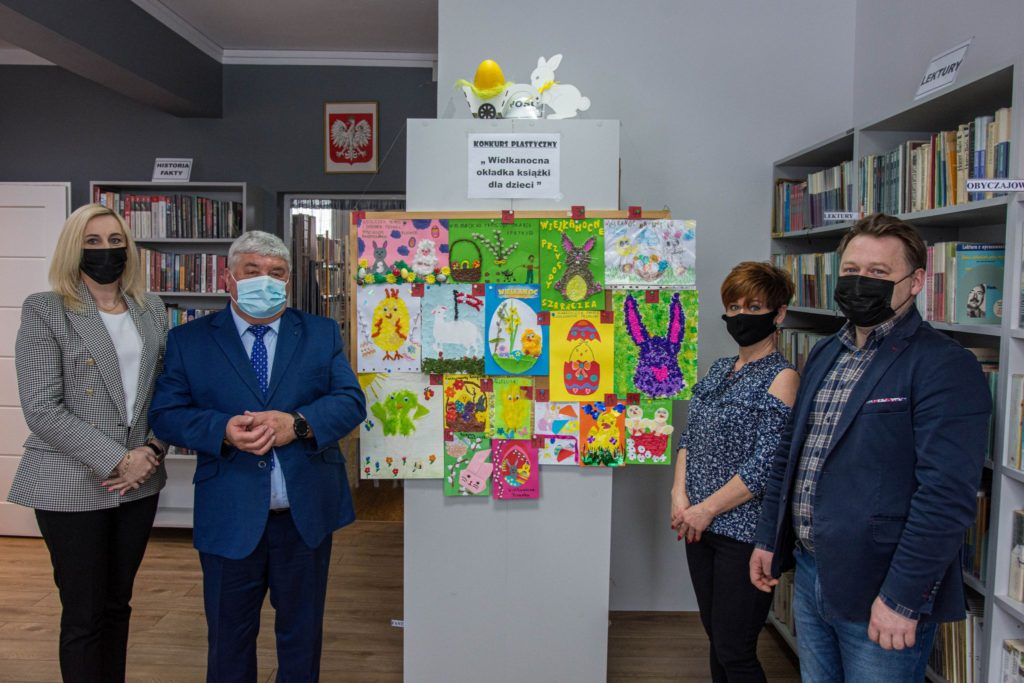 Prace konkursowe Wielkanocna okładka kasiążki dla dzieci.