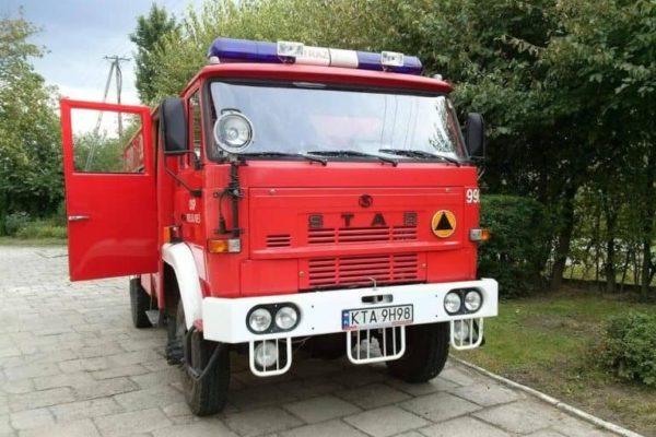 Czerwony wóz strażacki